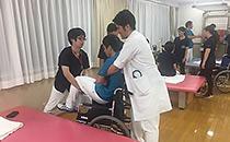 移乗・腰痛予防の研修を実施しました