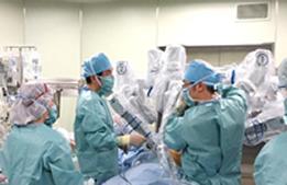 ロボット支援下肺がん手術を開始しました